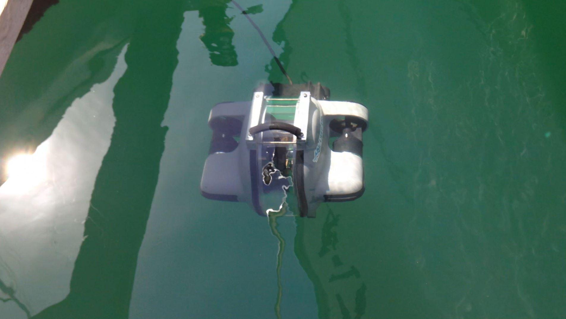 Underwater filming equipment